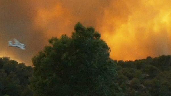 Kilenc helyen küzdenek erdőtüzekkel Európa délnyugati részén
