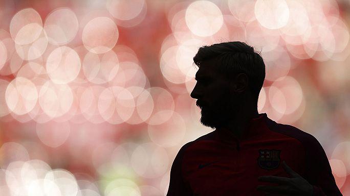 كرة قدم: ليونيل ميسي يقرر العودة عن اعتزاله