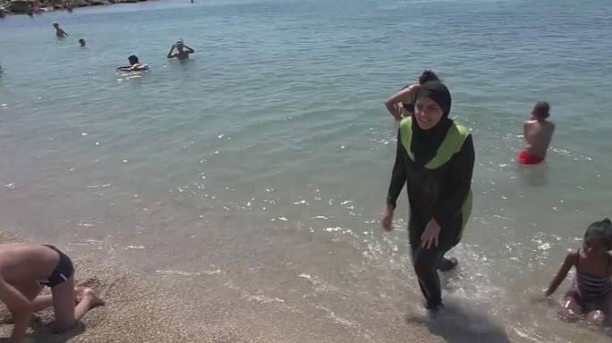 Burkini-Bann am Strand von Cannes