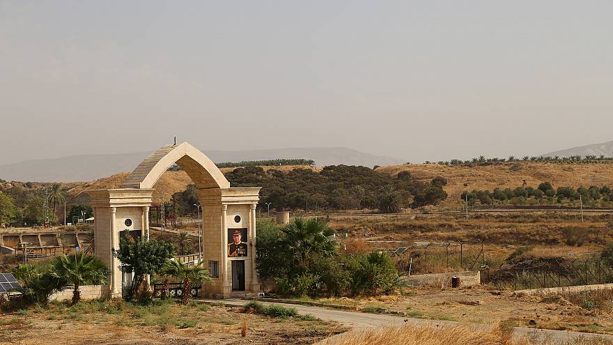 Image: A border crossing to Israel on the Island of Peace, as seen from the