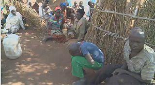 Les réfugiés mozambicains survivent dans des camps de fortune au Zimbabwe
