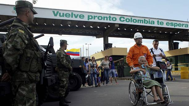Venezuelans flock across Colombia border to stock up on basics