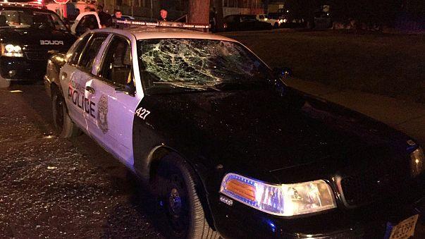 Egy amerikai rendőr lelőtt egy menekülő férfit Wisconsinban