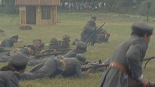 Hagyományőrzők játszották újra a varsói csatát