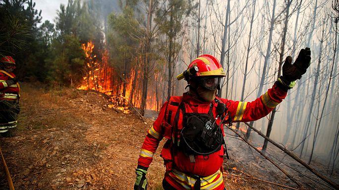 Tovább pusztít a tűzvész Portugáliában