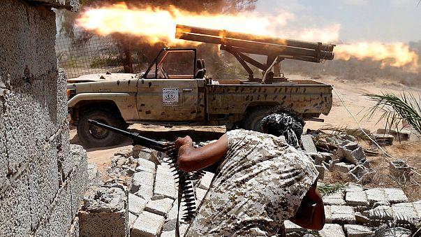 القوات الموالية للحكومة الليبية تتقدم في سرت