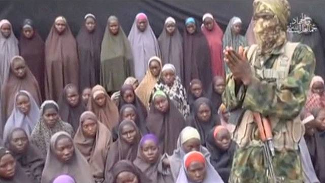 Boko Haram kaçırdığı öğrencilerin görüntülerini ilk kez paylaştı