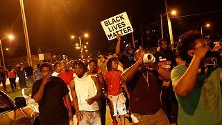 Nueva noche de tensión y enfrentamientos en Milwaukee