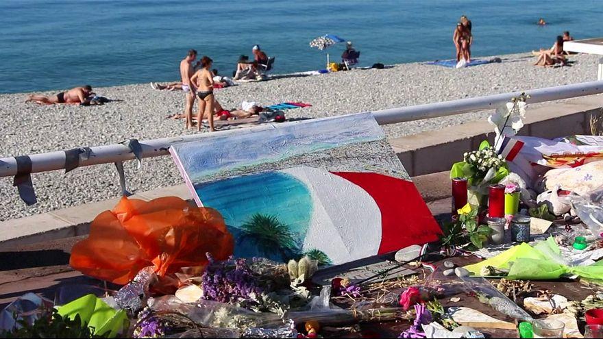 Франция: 45 человек пострадали в панике из-за петард
