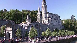 Miles de católicos celebran la Asunción en el santuario de Lourdes bajo fuertes medidas de seguridad