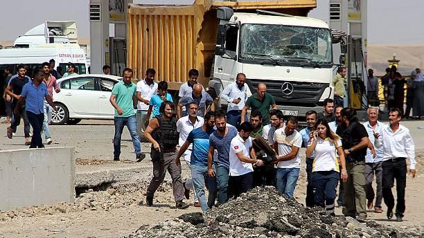 Six dead in car bombing in southeast Turkey