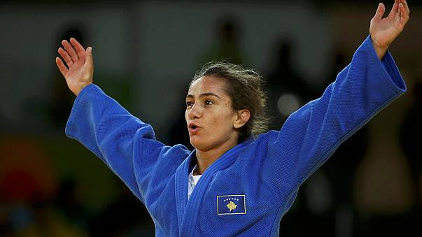 Rio 2016: Heroína Kelmendi regressou a casa