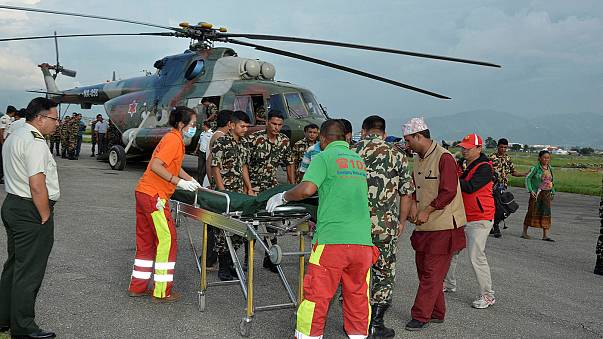 عشرات القتلى والجرحى إثر سقوط حافلة في منحدر جبلي بنيبال