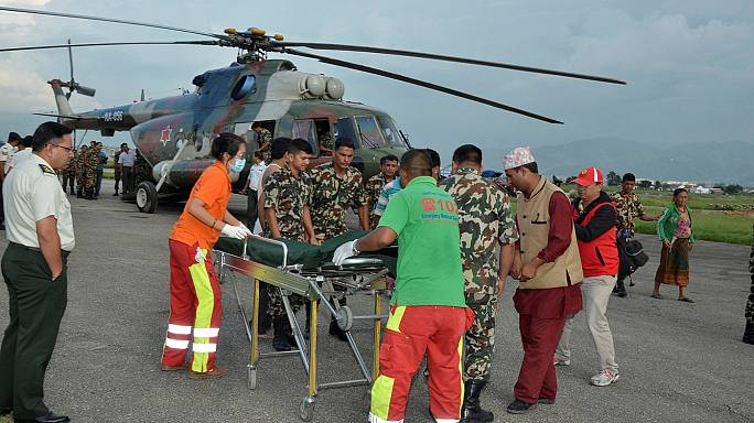 Despiste de autocarro no Nepal faz dezenas de mortos