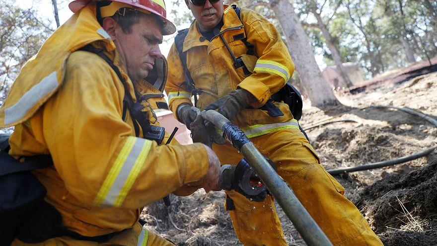 Incêndios na Califórnia mobilizam mil bombeiros