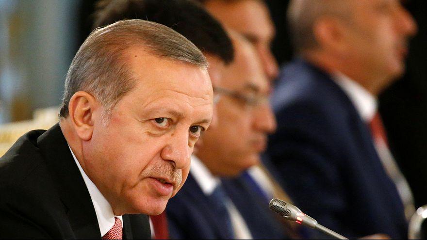 Turquie : prison à vie requise contre Gülen, la purge continue