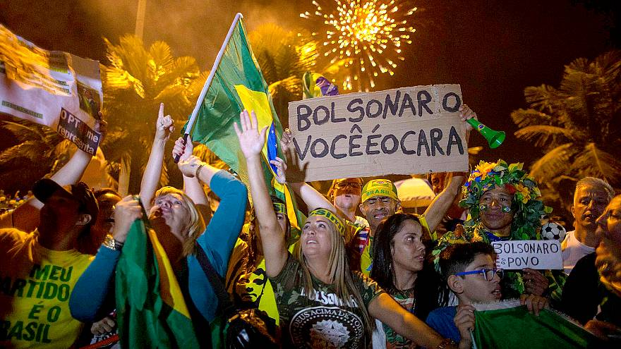 Image: Supporters of far-right presidential candidate Jair Bolsonaro, celeb