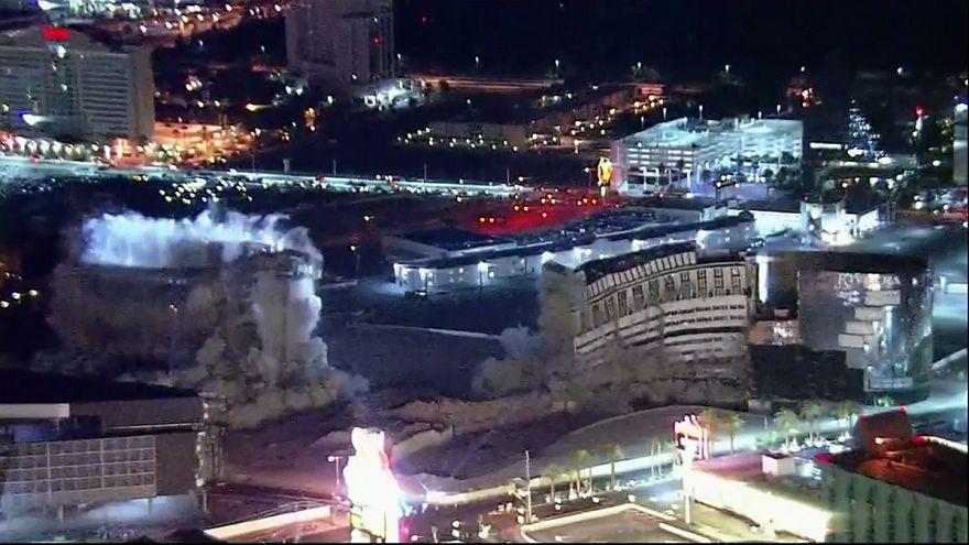 El hotel Riviera y su casino de Las Vegas vuela por los aires