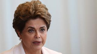Dilma promete referendar presidenciais antecipadas no Brasil