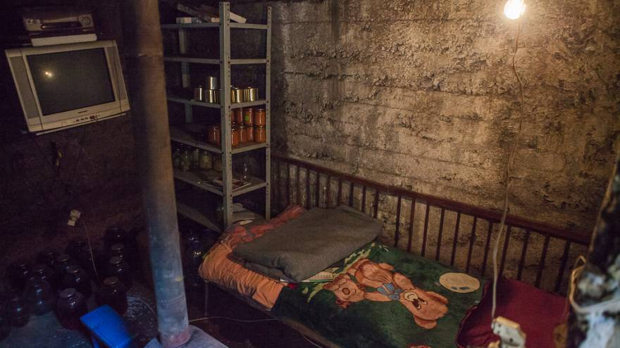 Leben mit dem Krieg in der Ostukraine: Nastya (6) verliert ihre Haare