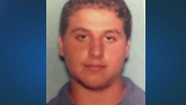Floride: un suspect de 19 ans arrêté alors qu'il arrachait avec les dents le visage d'une victime