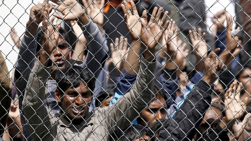 Правозащитники призывают ЕС помочь мигрантам в Греции