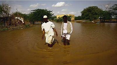 Des pluies diluviennes tuent une centaine de personnes