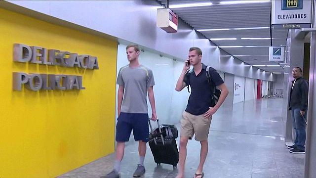 Два американских пловца задержаны бразильской полицией по делу об их ограблении