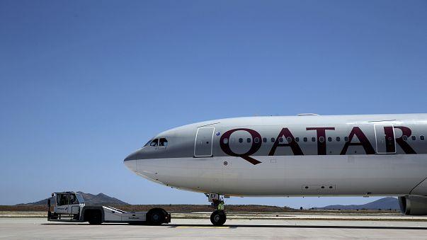 Flammen schlagen aus dem Triebwerk: A330 von Qatar Airways muss in Istanbul notlanden