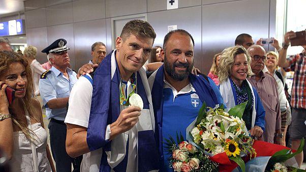Ρίο 2016: H Ελλάδα υποδέχθηκε τον «Ποσειδώνα» Σπύρο Γιαννιώτη