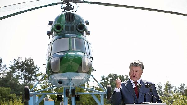Ουκρανία: Με στρατιωτικό νόμο προειδοποιεί ο Ποροσένκο