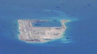 Image: Chinese dredging vessels around Fiery Cross Reef in the South China