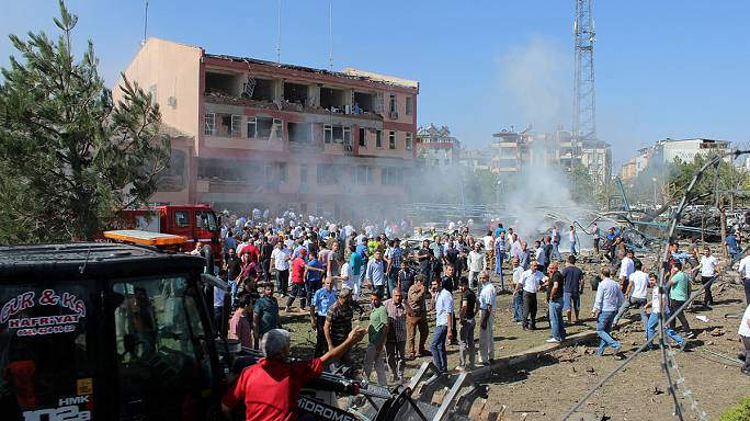 حزب العمال الكردستاني يتبنى تفجير إلازيغ جنوب شرق تركيا