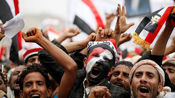Huge rally in Sanaa in support of Houthis and former Yemen President Saleh