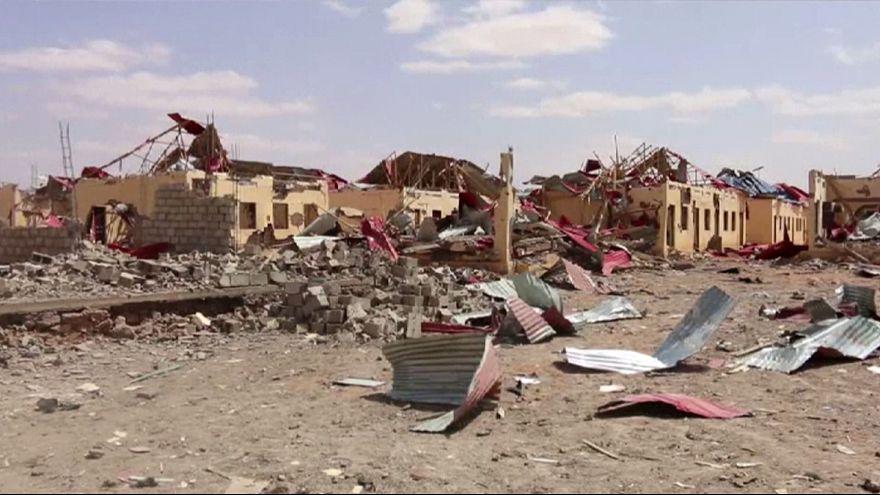 أكثر من 20 قتيلا في تفجير سيارتين مفخختين وسط الصومال