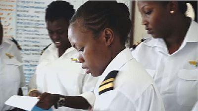 Le pilotage d'avion s'ouvre de plus en plus aux femmes