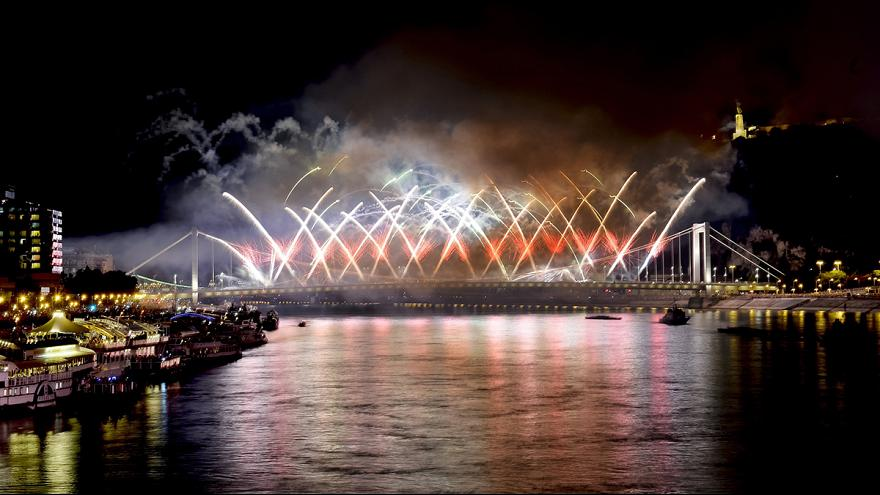 Spectacular fireworks in Budapest
