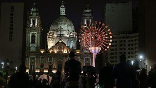 Rio de Janeiro despede-se dos Jogos Olímpicos em clima e festa e melancolia