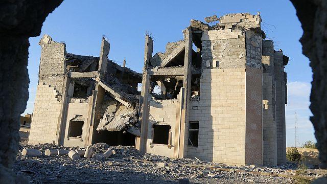 Fransız savaş uçakları IŞİD'in kalesi Rakka'yı hedef aldı