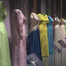 A Londres, 90 ans dans la garde-robe d'Elisabeth II