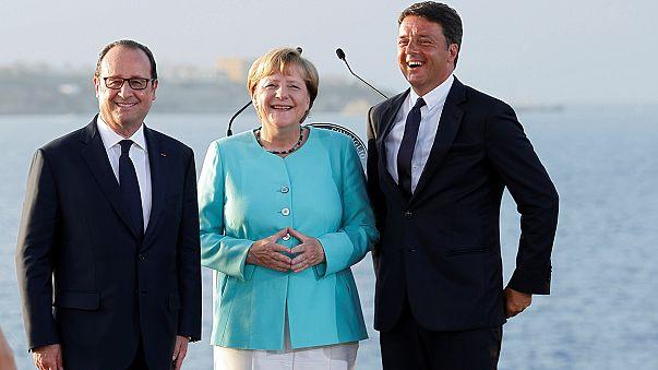 Лидеры Италии, ФРГ и Франции встретились на борту итальянского авианосца