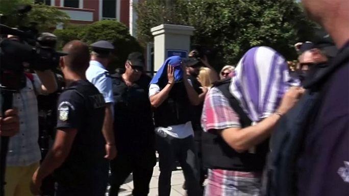 مثول عسكريين أتراك أمام محكمة يونانية للبت في طلب لجوئهم