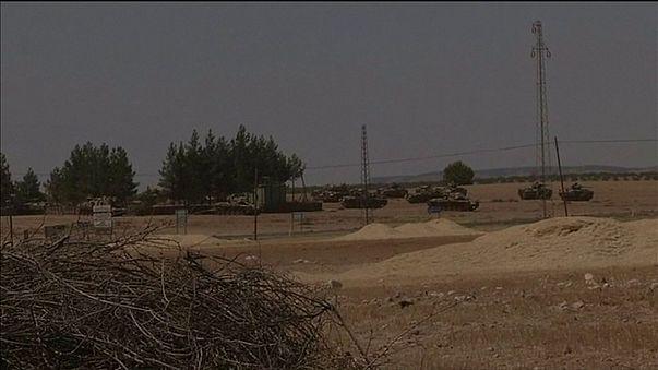 Turquía prepara una gran ofensiva en el norte de Siria para frenar la progresión de las facciones kurdas