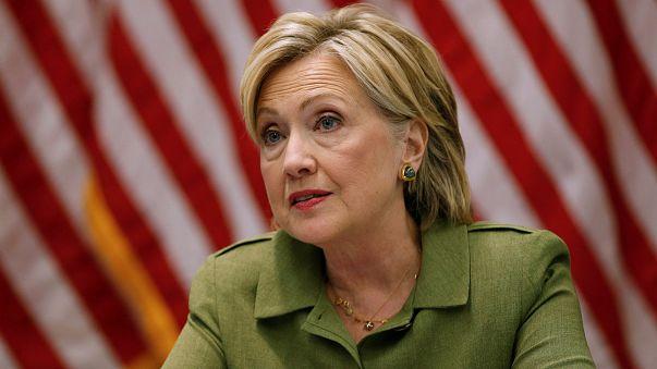 EUA: Justiça ordena investigação de mais emails de Clinton antes das presidenciais