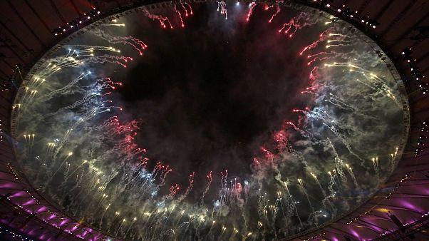 Rio: i fuochi d'artificio chiudono i Giochi Olimpici