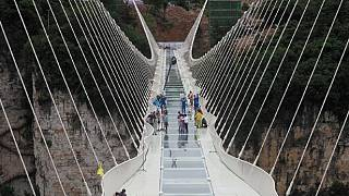 Discover the longest glass bridge in China [no comment]
