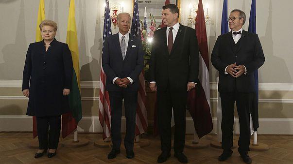 """Biden no Báltico: """"Não levem Trump a sério"""""""