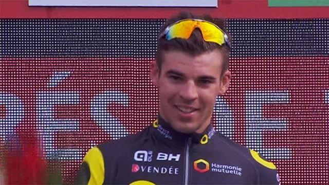 الفرنسي كالمجان يحقق اول فوز له في المرحلة الرابعة من لافويلتا