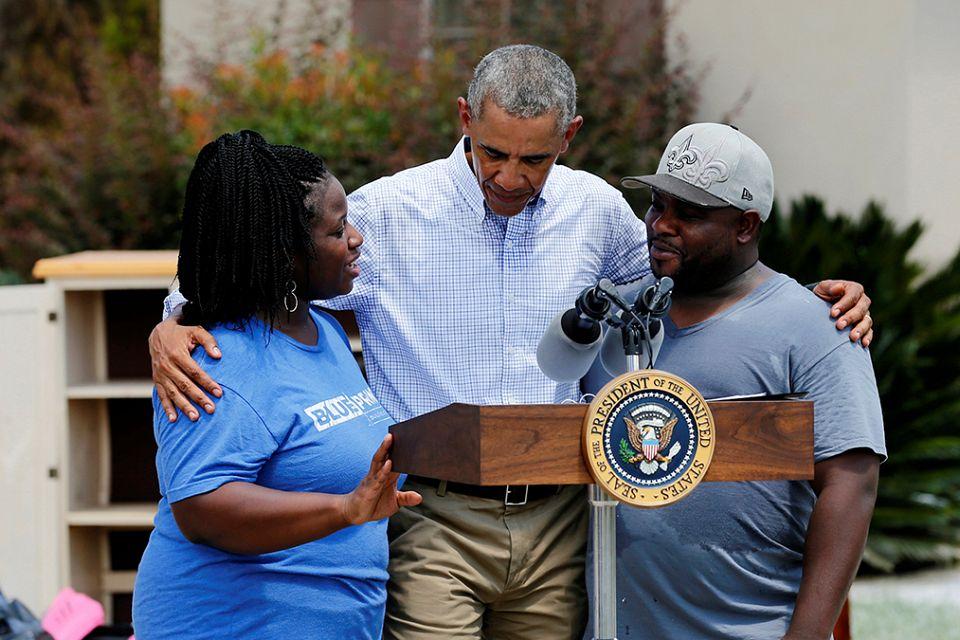 Obama visits Louisiana flood victims