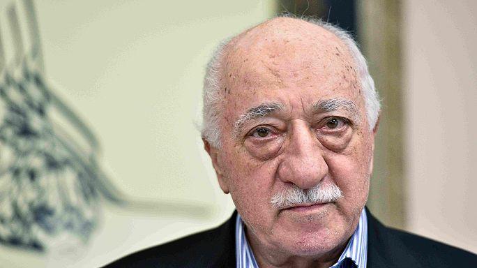 Turquía pide a EEUU la extradición del clérigo Fetulá Gulen, pero no por el golpe fallido del verano